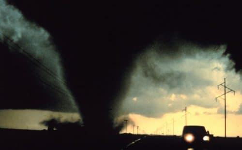 AL tornado causes damage to community